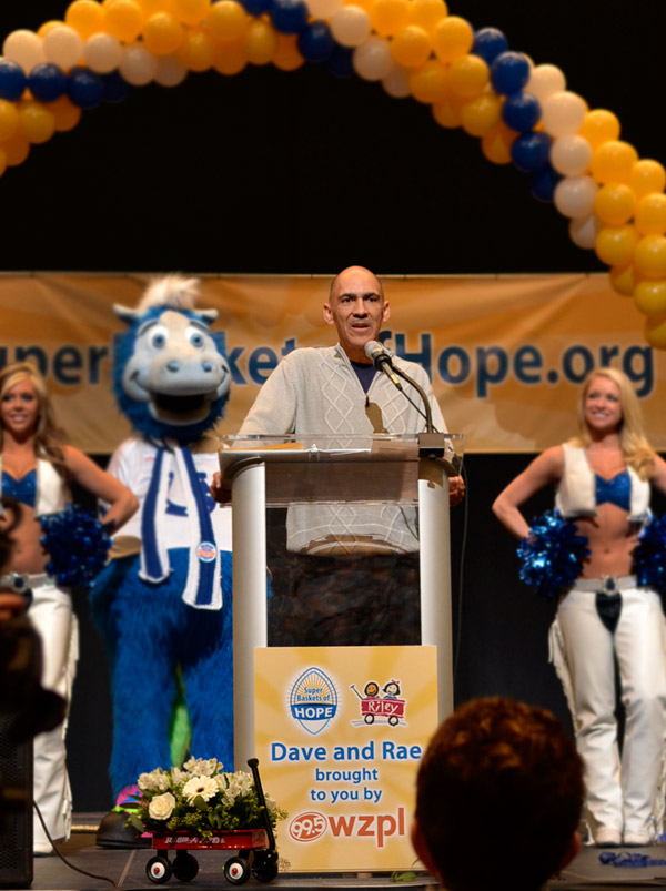 Tony Dungy at Super Baskets of Hope